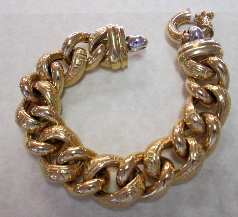 18 Karat Gold Oval Link Bracelet $8690